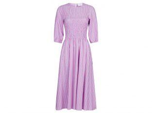 Lyserød kjole med hvide striber